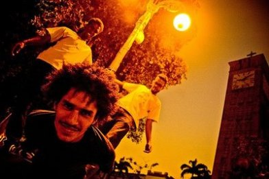 Macaco Bong também teve um clipe produzido por Otávio, Noise James